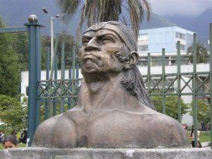 Escultura de Rumiñahui en Quito, por Vicente O. Rivadeneira